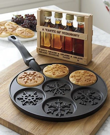 A snowflake pan to make perfect pancakes