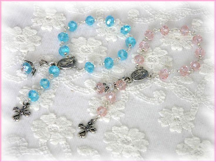 Taufrosenkranz Zwillinge, mit Engel, rosa hellblau von Alpen-Juwel auf http://de.dawanda.com/product/80581507-Taufrosenkranz-Zwillinge-mit-Engel-rosa-hellblau