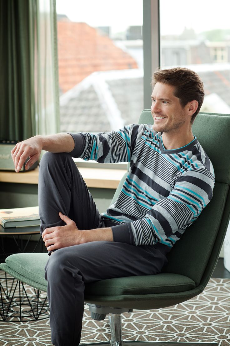 You can relax in style in this modern mix-striped pyjama set from Pastunette for Men