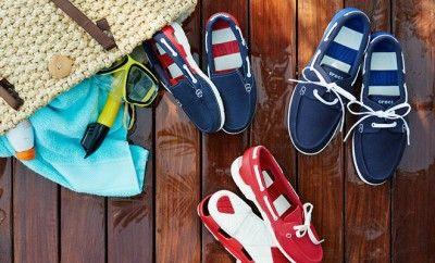 Crocs Tekne Ayakkabıları ile Özgür ve Renkli Adımlar... Crocs'un Tekne Ayakkabıları koleksiyonuna eklenen yepyeni modellerle, bu yaz ayaklar hiç olmadığı kadar özgür ve konforlu!