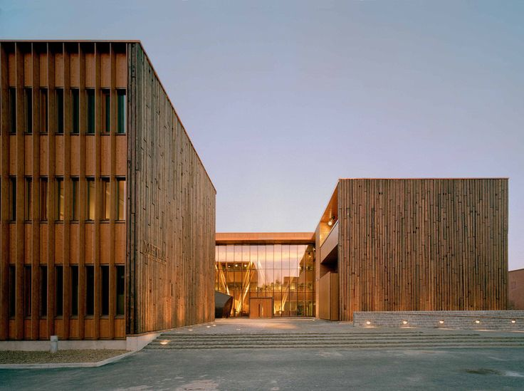 Built by SARC Architects in Joensuu, Finland with date 2004. Images by SARC Architects. The construction of The Finnish Forest Research Institutes (METLA) new building to accommodate the Joensuu Forest Res...