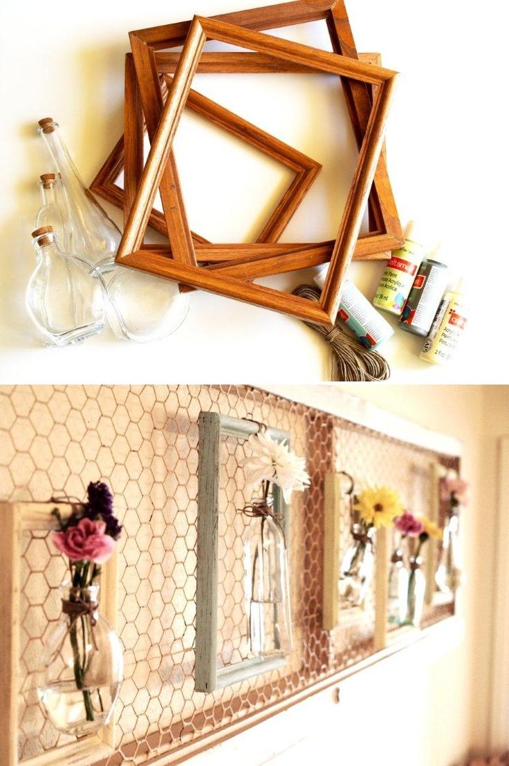 Wieder mal eine tolle upcycling Dekoidee für euer Zuhause: mit alten Bilderrahmen könnt ihr diese außergewöhnliche Wanddeko gestalten - entweder als Memoboard oder ihr hängt kleine Blumenvasen rein. #DIY