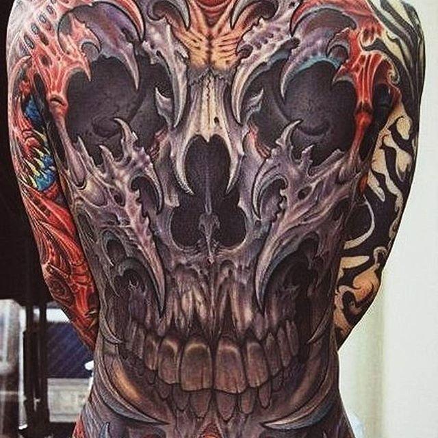 Шикарное исполнение, не правда ли?  #tatoo_universe #tattoo #тату