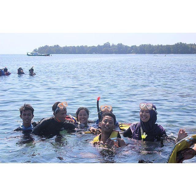 Indonesia itu indah sob! Masih mau dirumah terus? Jalan-jalan lah biar asik!  Open trip dan private trip welcome. Silahkan diintip jadwal open trip kami @hpjtourtravel @hpjtourtravel @hpjtourtravel  Info dan booking: Line: @FPF2453F Whatsapp: 081299071122 BBM: 5D404D75  Thank you HPJ TOUR AND TRAVEL http://ift.tt/1TB2QUk  #hpjtourtravel #opentrip #opentripmurah #privatetrip #privatetripmurah #pulauseribu #belitung #greencanyon #pangandaran #pulaupari #pulauharapan #pulautidung…