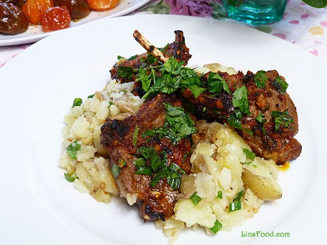 quick and easy recipe on how to cook lamb cutlets, in this case spicy, fiery lamb cutlets on crushed potatoes.