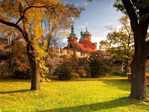 Pravoslavný kostel sv. Michala v zahradě Kinských na Petříně