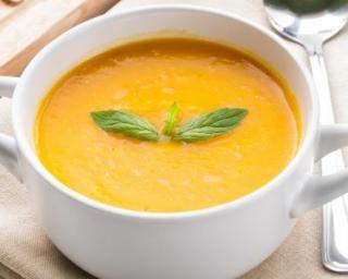 Velouté de carottes onctueux au yaourt : http://www.fourchette-et-bikini.fr/recettes/recettes-minceur/veloute-de-carottes-onctueux-au-yaourt.html