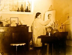 """Isabelle Bowen Henderson, 1899-1969. """"Young Isabelle in studio."""" Photo courtesy of Triangle Wiki. Portraitist and floriculturist. Essay from Dictionary of North Carolina Biography."""