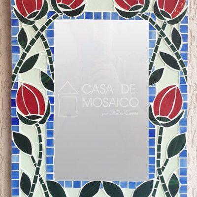 Porta-chaves e espelho com tulipas vermelhas