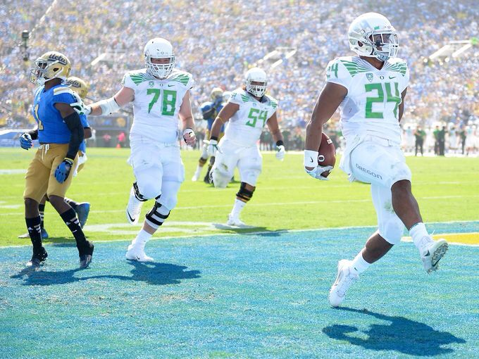 Thomas Tyner scores another Duck TD in the romp over the Bruins!