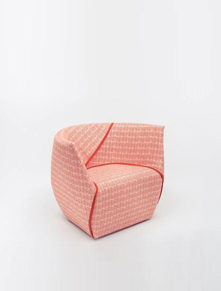 Fotel Ume marki Comforty, zaprojektowany przez Maję Ganszyniec. Znajdź więcej na: www.euforma.pl             #comforty #fotel #ume #armchair #livingroom #home #polishdesign #design