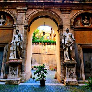 Finding the hidden gems in Rome: this courtyard in the Jewish ghetto was a cool…