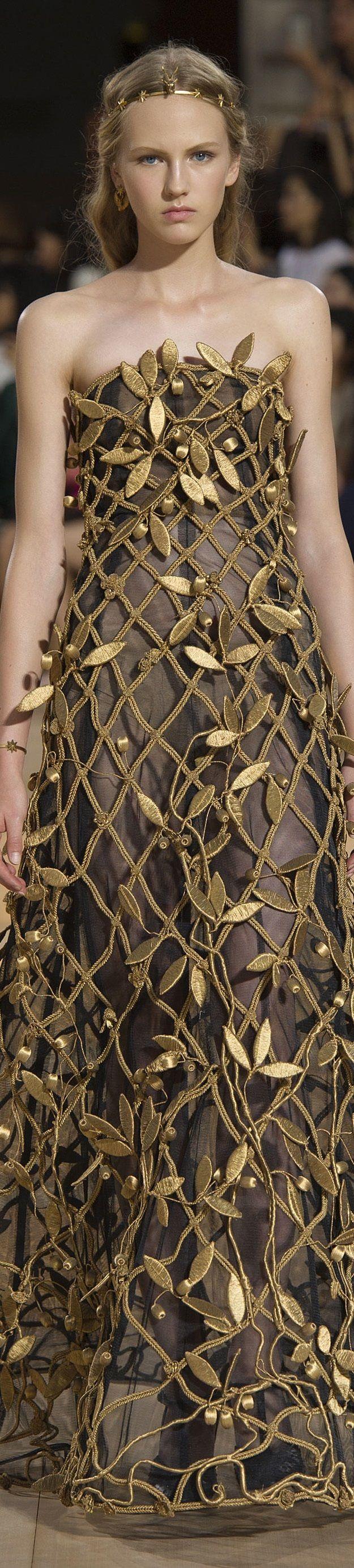 #Farbbberatung #Stilberatung #Farbenreich mit www.farben-reich.com Valentino FW 2015 couture www.valentino.com