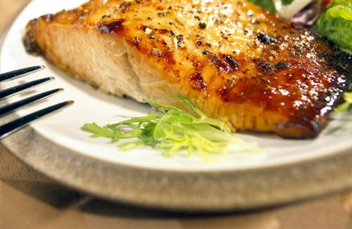 Grilled Salmon with Lemon, Soy Sauce and Brown Sugar Marinade
