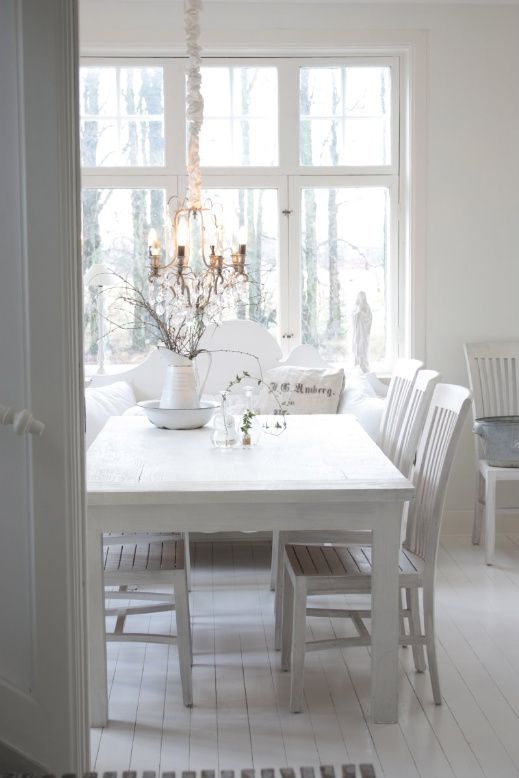white on whiteDining Rooms, Dining Area, White Dining, Bright White, Dining Ideas, Diningroom, White Interiors, Colors Inspiration, White Room