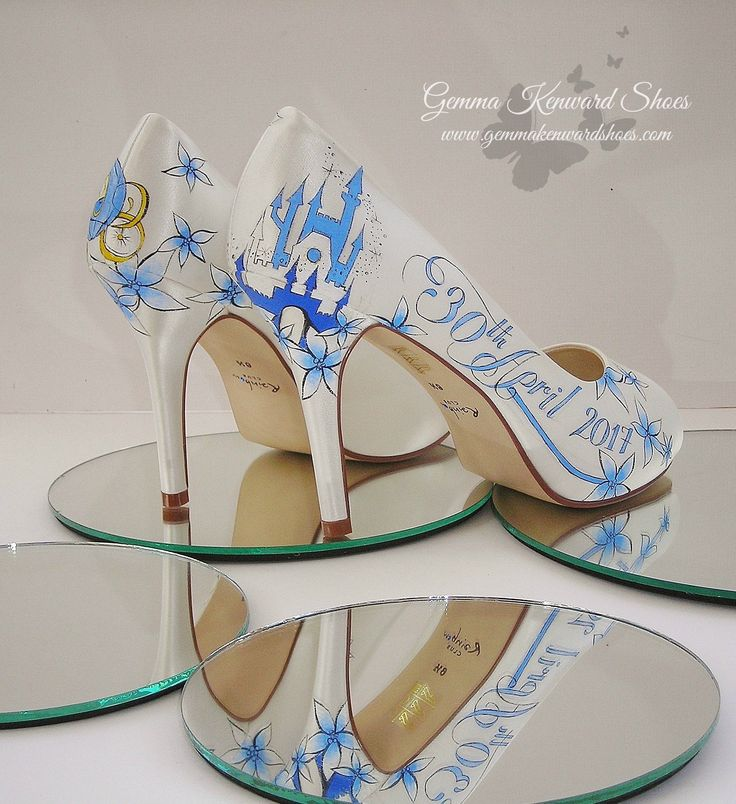 Hand painted wedding shoes with a Cinderella theme #shoes #wedding #cinderella #disney #disneywedding #bride #bridal #bridalshoes #paintedshoes #custompainted
