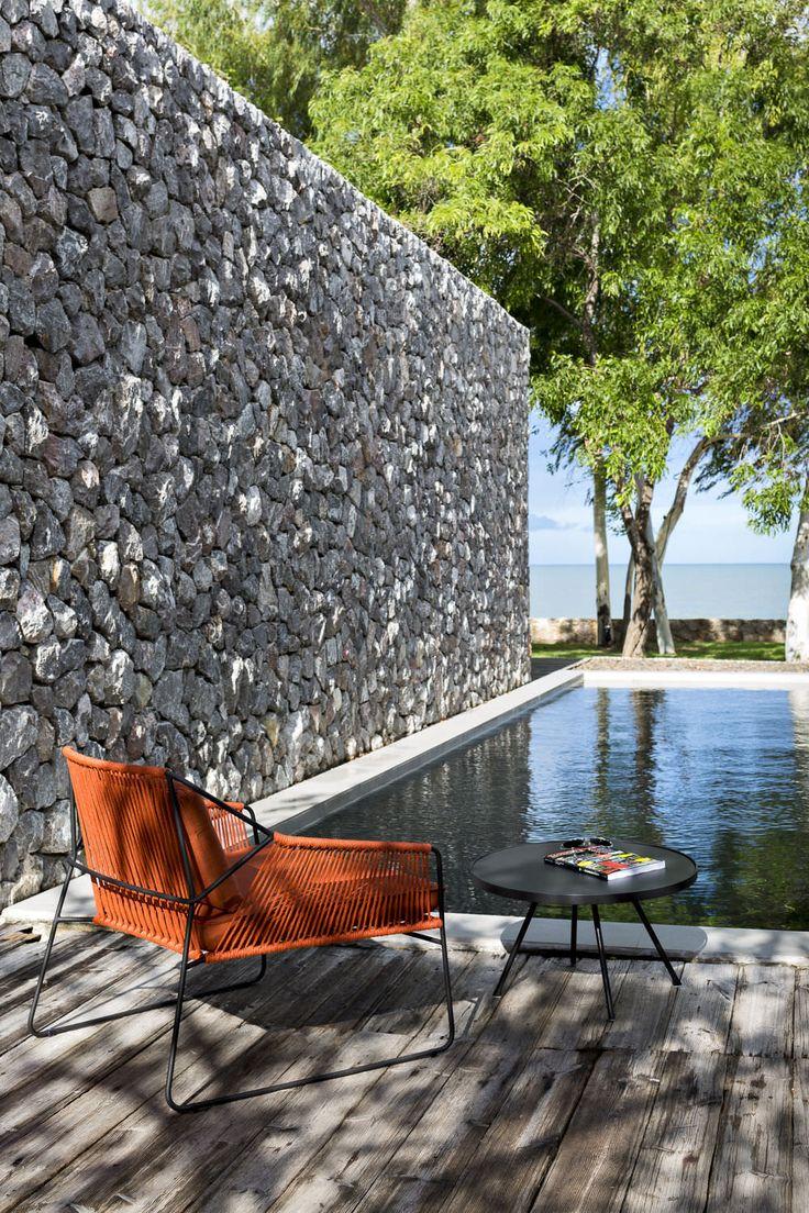 Fauteuil de jardin contemporain en métal - SANDUR by Mark Gabbertas