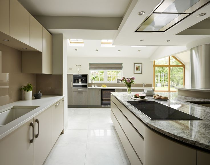 We were delighted to sit down with Richard Davonport of Davonport Interiors who shares his wealth of knowledge when it comes to the fine art of designing a kitchen extension - head to our blog, Der Kern, to read the full post
