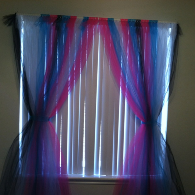 Curtains made from tulle  made these for Ashleigh s room. Best 25  Tulle curtains ideas on Pinterest   Tulle bedskirt