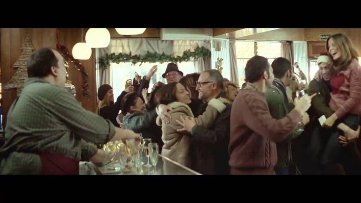"""Con el estreno del anuncio de la Lotería se dice que empieza la Navidad. Y este año han dejado de lado al fantasmagórico Raphael para dejar paso a una historia, que menos que un tanto, ¿nostálgica?  Desde un punto de vista más humilde y con el sprint final de la ilusión, el spot nos recuerda lo importante es compartir, bajo el lema """"El mejor premio es compartirlo"""" y realizado por la agencia Leo Burnett.  Pues nada, eso he hecho yo, ¡compartirlo!  Enjoy it! Ah... Y FELIZ NAVIDAD!!"""