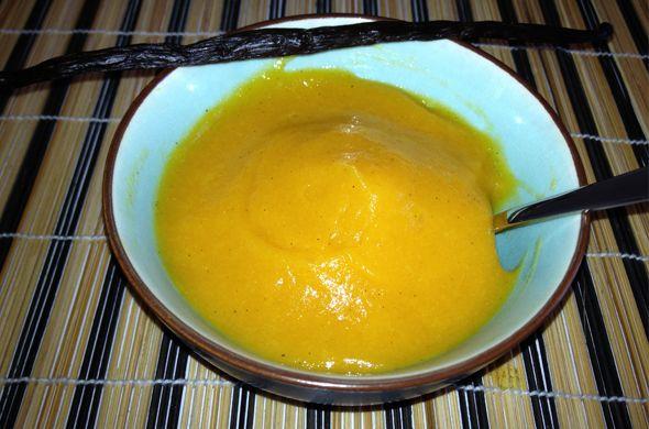 Compote d'Abricots à la vanille. Plus de recettes pour bébé sur www.enviedebienmanger.fr/idees-recettes/recettes-pour-bebe