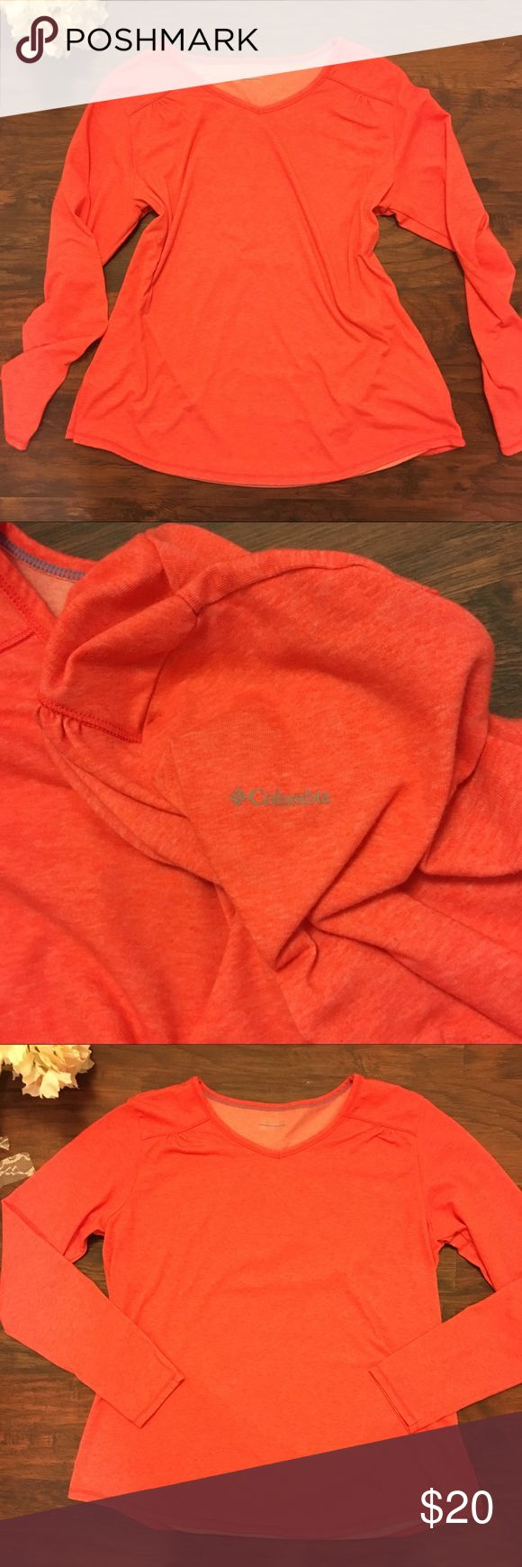NWOT COLUMBIA Soft Pullover Sweatshirt V Neck XL Columbia Sportswear - Size XL Ladies - Super Soft Cotton Poly Blend Lightweight Pullover Sweatshirt - V Neck - Logo on Shoulder - Heathered Melon Orange Color Columbia Tops Sweatshirts & Hoodies