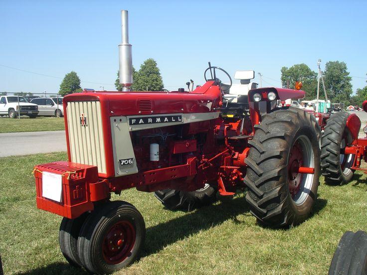 1966 Farmall 706 Gas