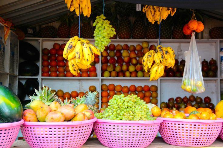 Local and Seasonal Foods - Fruit Market