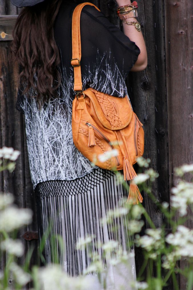 Boho Fringe Bag & Fringe Kimono - from www.missraspberry.se