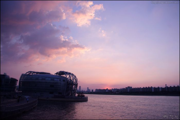 Sunset of the Han-gang River  photo by Bang, Chulrin