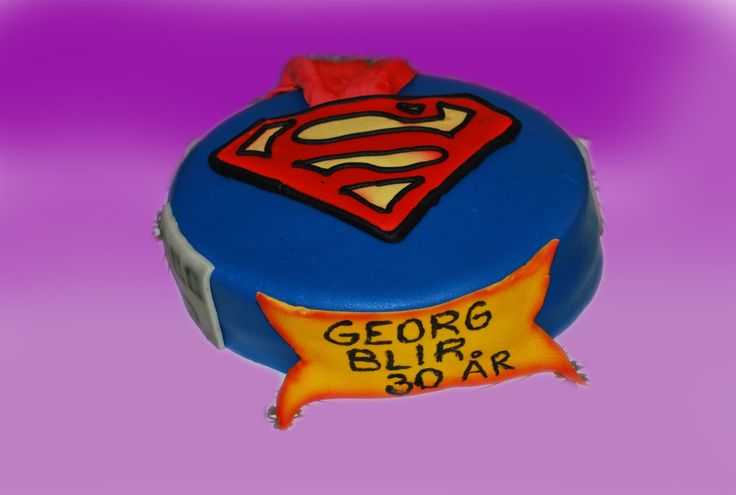 Eller er der SUPERMANN som er den store helten. Her er en variant.  Kan lages både som sjokoladekake og marsipanbløtkake. Ta kontakt for mer info på post@bellakaker.no eller ta en titt på websiden min www.bellakaker.no
