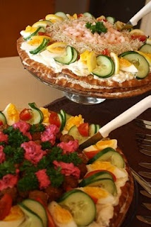 Dubbelhakornas prosperous: Sandwich Cake on hönöbröd