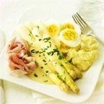 Het witte goud: asperges met ham en ei