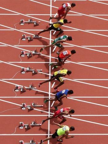 Gerard Kobeane, de Burkina Faso, foi o mais rápido na primeira eliminatória dos 100 m rasos dos Jogos Olímpicos de Londres, na manhã deste sábado, no Estádio Olímpico da capital britânica  Foto: Getty Images