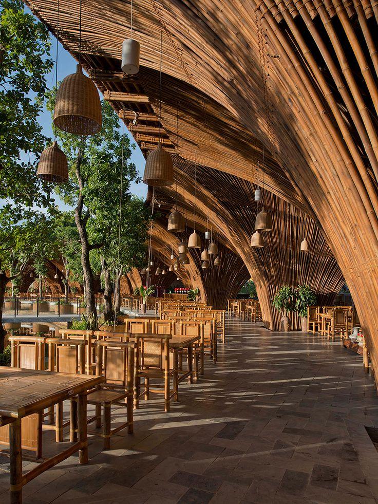 9. Connexion des matériaux avec la nature Bamboo Restaurant, Vo Trong Nghia Architects