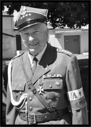 """25 kwietnia 2017 r., w Sandomierzu zmarł mjr w st. spocz. Wojciech Targowski """"Vis"""". Był jednym z ostatnich żołnierzy służących pod rozkazami mjr. cc. Eugeniusza Kaszyńskiego """"Nurt…"""