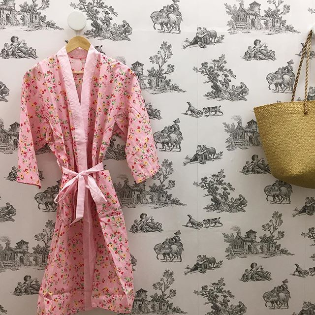 Slipping into a little cotton robe tonight? phew, stocking shelves is hard work #shopinivanhoe #robes #toile #dressingroom #vm #newshop #Melbourneshopping #bedlinen