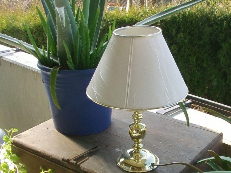 Edle Messing Tischlampe von Manu's kleine Vintage Schatzkiste auf DaWanda.com