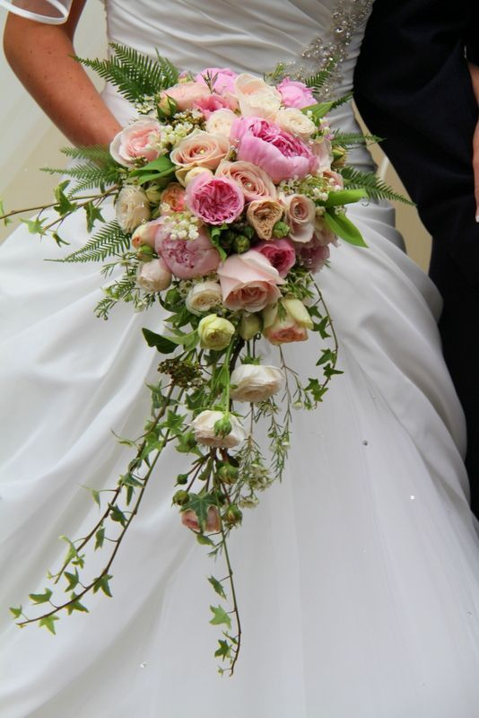 Choosing your wedding bouquet, what style? What flowers?, #bouquet #bouquetdemariage #Choosin…