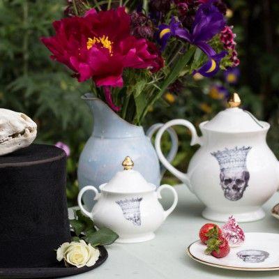 skull in crown tea set