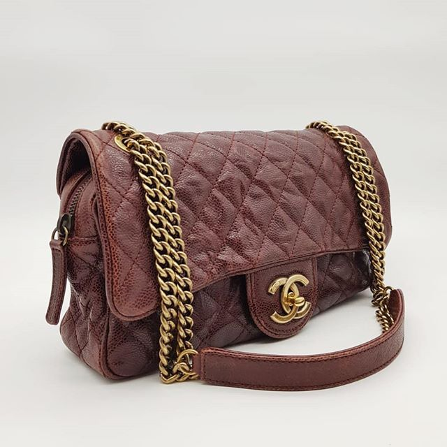 2500 Wire Preloved Chanel Easy Flap Bag Medium Burgundy Distressed Caviar Antique Gold Hardware Serial Code Starting With 166 Bag Medium Bags Flap Bag Bags