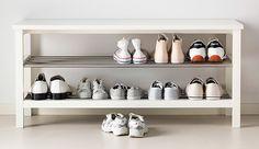 IKEA Schuhregale und Schuhbänke wie z. B. TJUSIG Bank mit Schuhablage in weiß