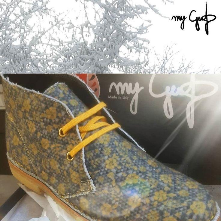 """'Un raggio di sole per tutte le situazioni' MyGufo winter 2017/18 www.mygufo.it store ufficiale Mod.""""Cortina"""" Vai sul sito mygufo.it e scopri tutte le fantasie..SHOP ONLINE #mygufo #mygufostore #polacchinemygufo #original #shoponline #madeinitaly #tuscany #shoes #new #winter #collectionmygufo #website #fashion #fantasies #look #ourstyle #instagram #facebook #officialsite #viaspettiamo"""