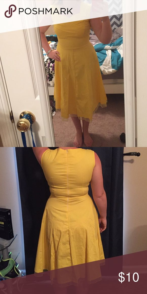 Dress Sammy Dress, Medium. Never worn. Just a little too small for me. I am 5'2, 140 lbs Dresses Midi