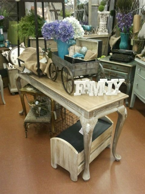 painted furniture, vintage shopping, booth display