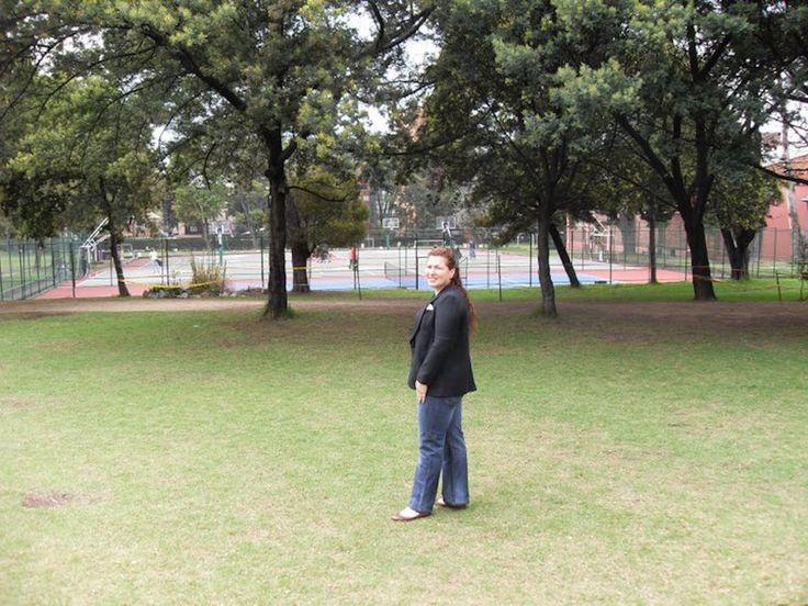 COLEGIO GIMNASIO MODERNO BOGOTÁ D.C., PAULA GONZÁLEZ DE VELASCO. NOVIEMBRE 6 DE 2009. CELEBRACIÓN DE LOS 40 AÑOS DE EGRESADOS.