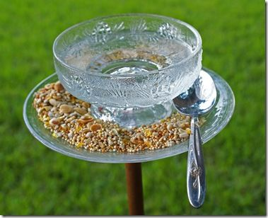 tutorial follows pictures.  What a great use for garage sale/thrift store finds!Birds Art, Birdbaths, Glasses Birds Feeders, Bird Feeders, Cups And Saucer Birds Feeders, Birds Feeders Yards, Glass Birdfeeders, Feeders Yards Art, Birds Bath
