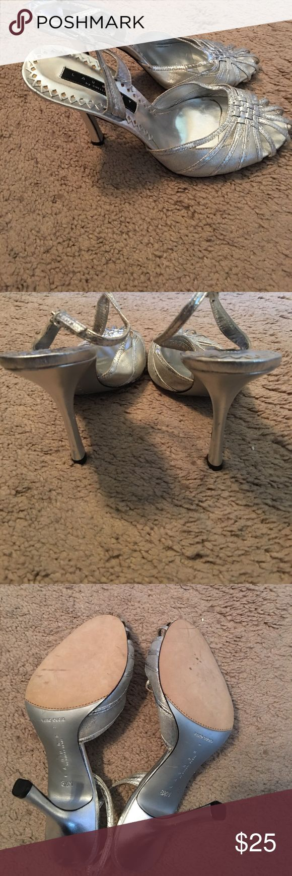 Laundry by Shelli Segal silver shoes NWOT Laundry by Shelli Segal silver shoes Laundry By Shelli Segal Shoes Heels