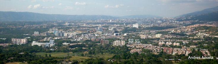 Bucaramanga, una ciudad que crece y se moderniza   Bucaramanga by Andres Acosta on 500px