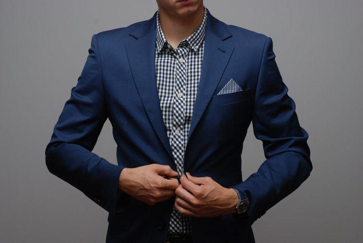 Granatowa poszetka w paski – styl marynistyczny  #modameska #poszetka #pocketsquare #suit #lookbook #menswear #outfit #classic